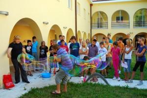 veliki baloni od sapunice na LjTZ u Splitu
